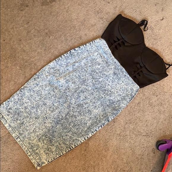 Dresses & Skirts - Ladies Denim w/ Black Sweetheart Top Dress